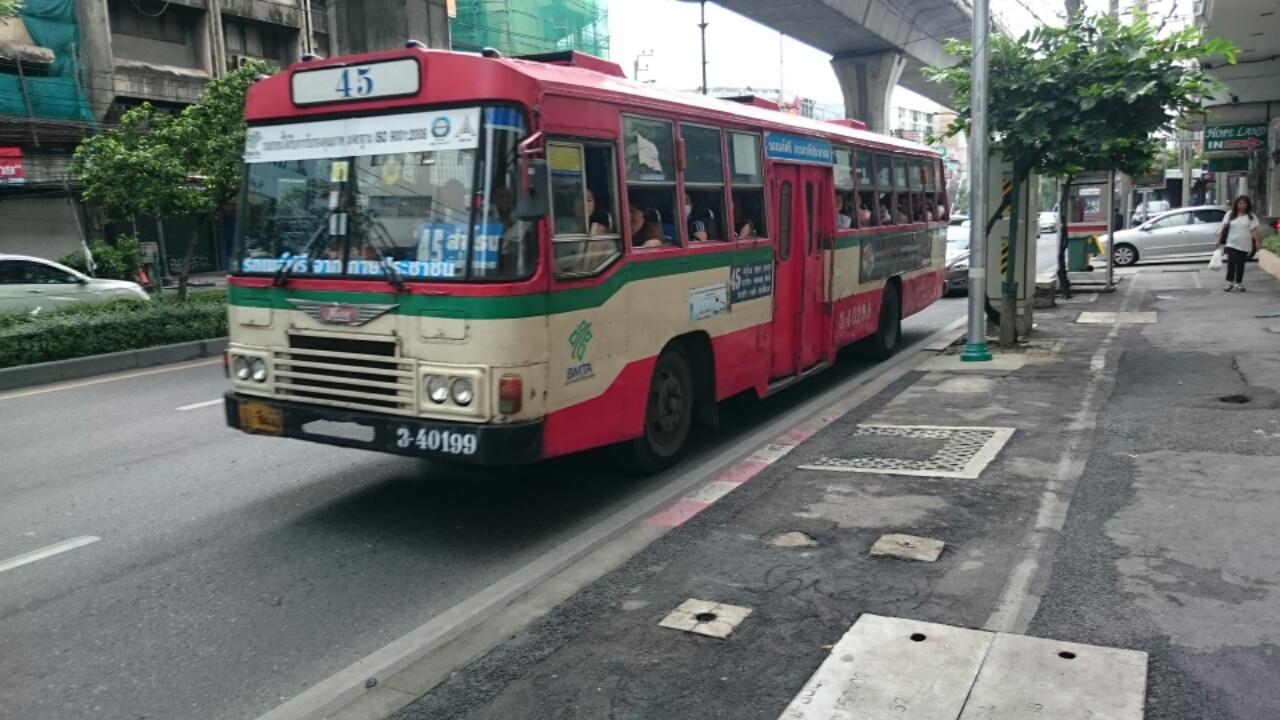 タイのバス5