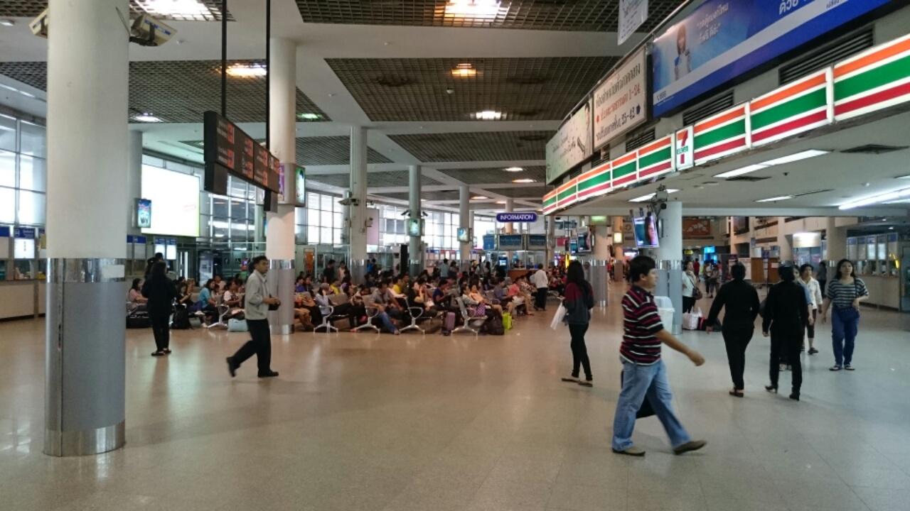 タイの高速バスターミナル